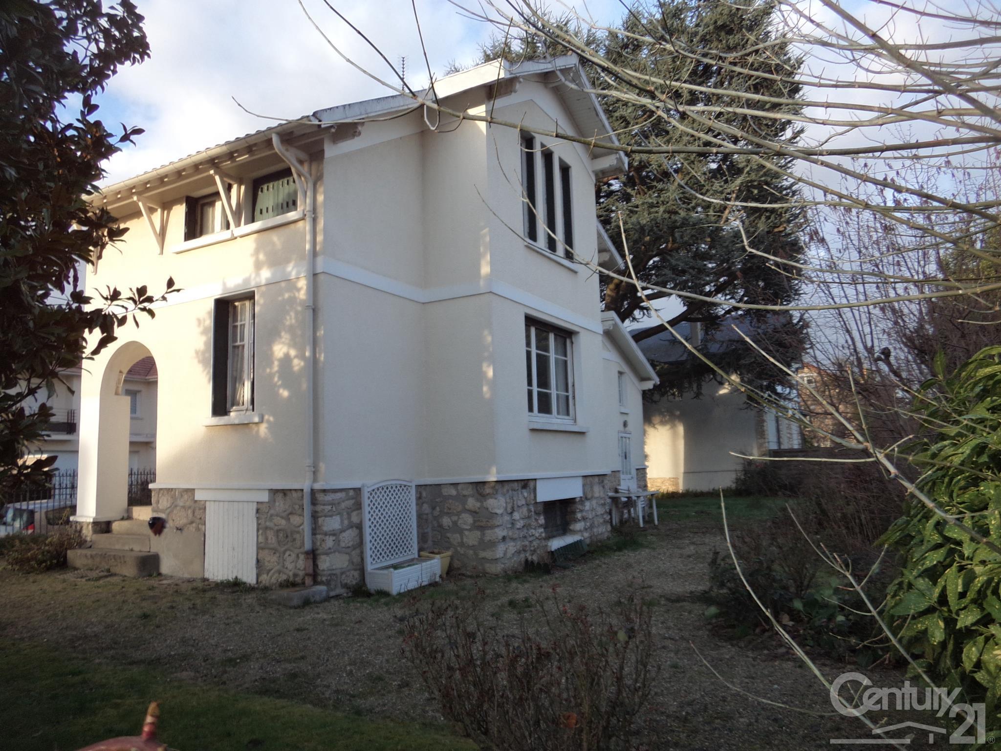 Surelevation maison bois ile de france for Architecte ile de france